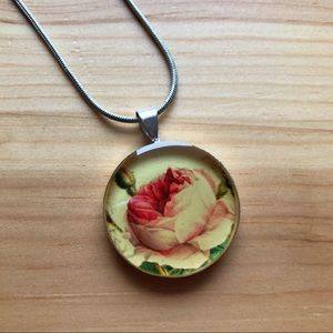 Vintage Rose Resin Pendant Chain Necklace